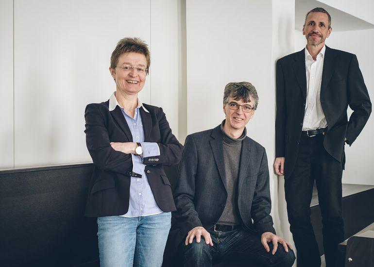 Dean Gerti Kappel, and faculty representatives Peter Puschner and Wolfgang Kastner